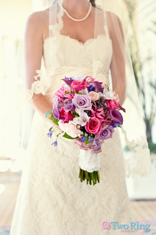 :-0 2010 The brides bouquet genuinely love with