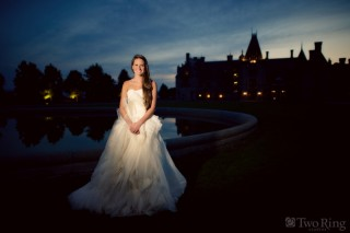 Bride in front of Biltmore house